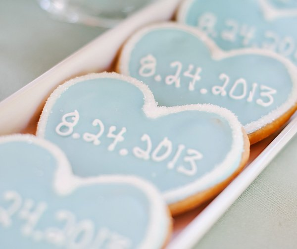 wedding date heart cookies