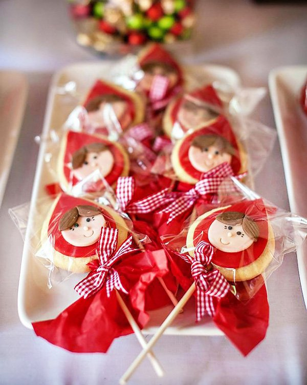 little red riding hood sugar cookies