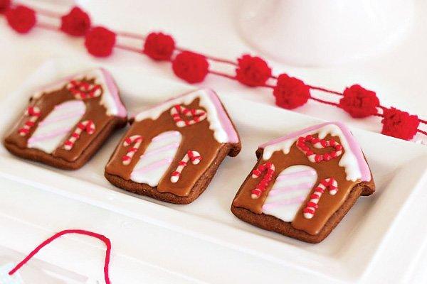 gingerbread house sugar cookies