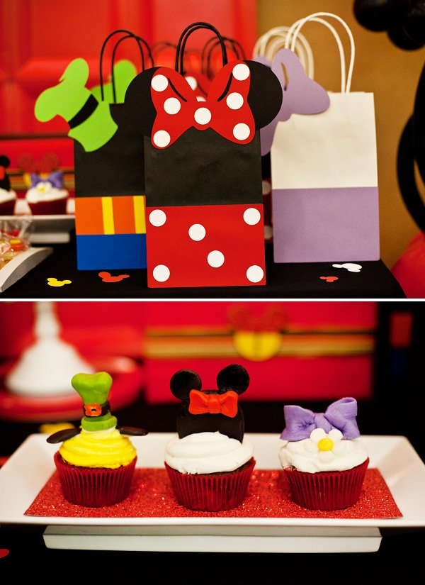 minnie mouse favor bag for a mickey first birthday