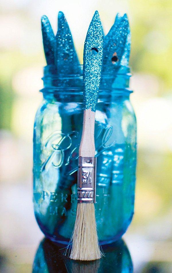 DIY glitter paint brushes