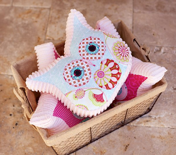 ruffle quilted owl pillows