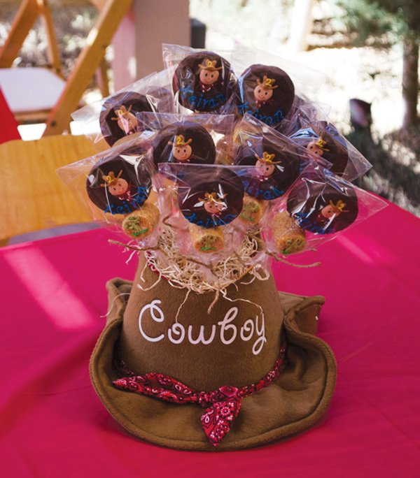 cowboy chocolate covered oreo pops
