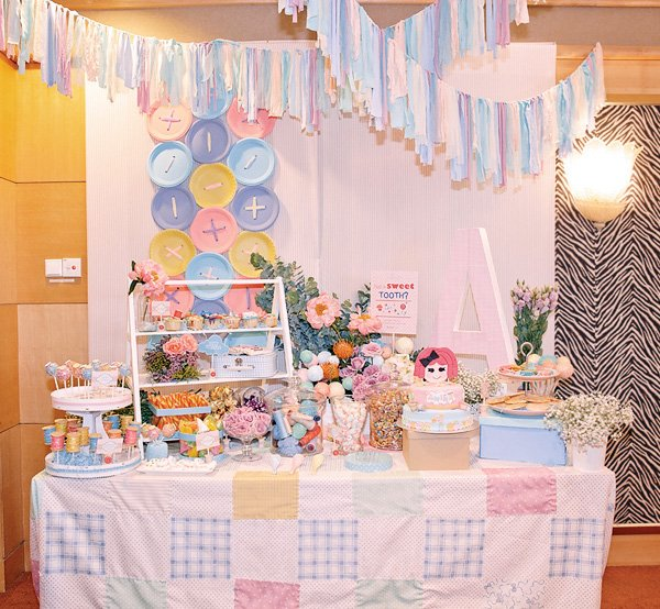 lalaloopsy cute as a button dessert table
