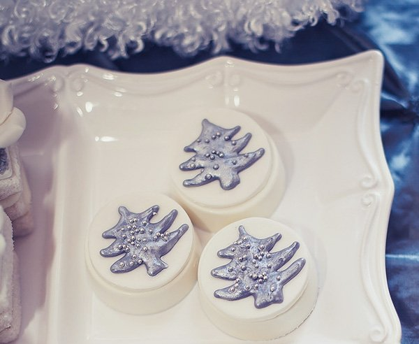 silver and white tree cookies
