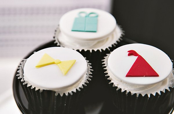 bow tie and party hat cupcakes