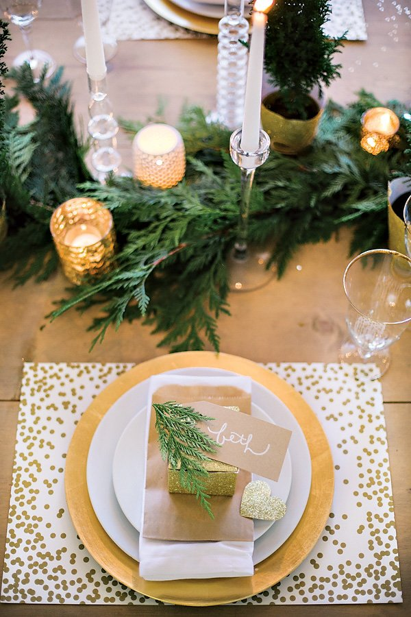 Sparkly Holiday Wine & Crafting Party {+ DIY Gold Leaf Champagne ...