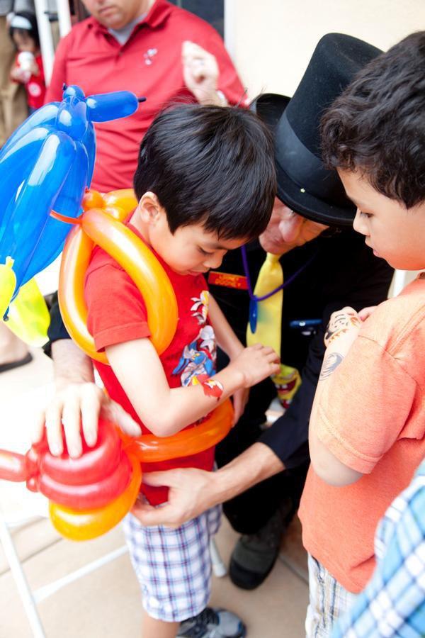 kids birthday party balloon activities