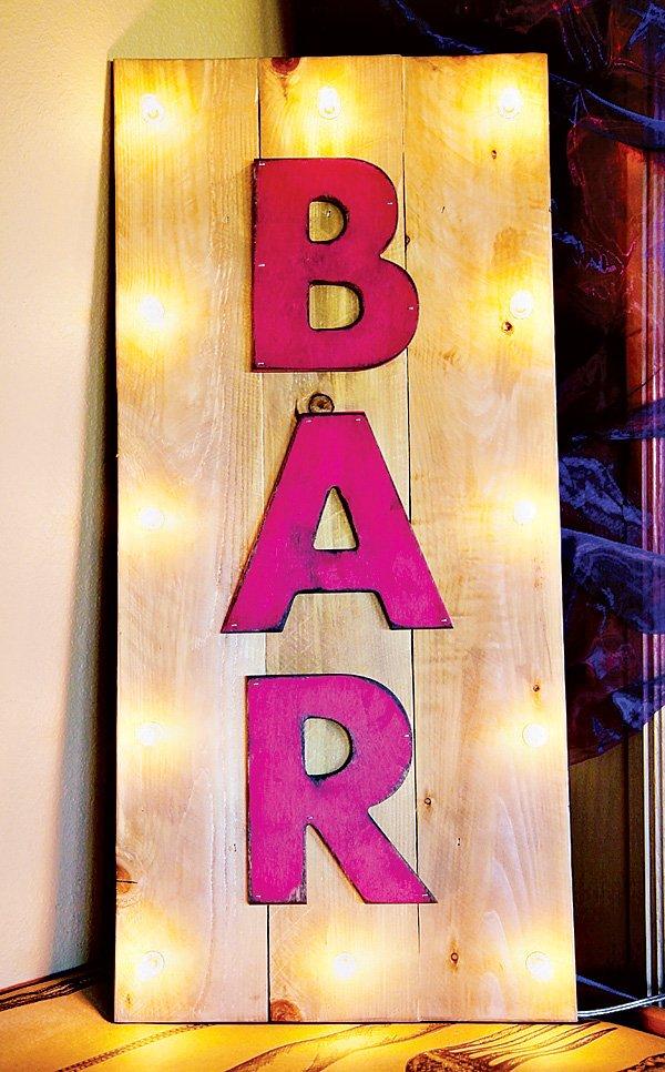 moulin rouge pink bar sign