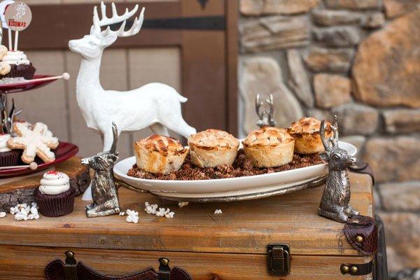 reindeer-platter-mini-pies