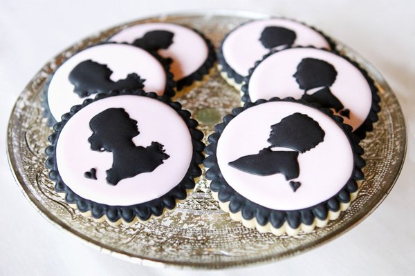 silhouette or cameo froster sugar cookies for a bridal shower