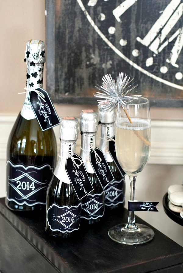black and silver champagne flute