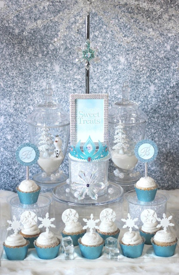 Frozen-Sweets-Table