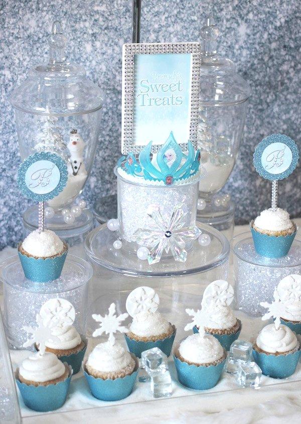 Frozen-cupcake-display