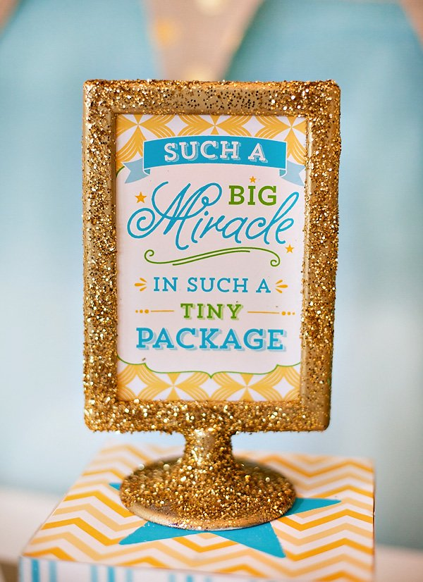 baby shower centerpiece sign - gold glitter