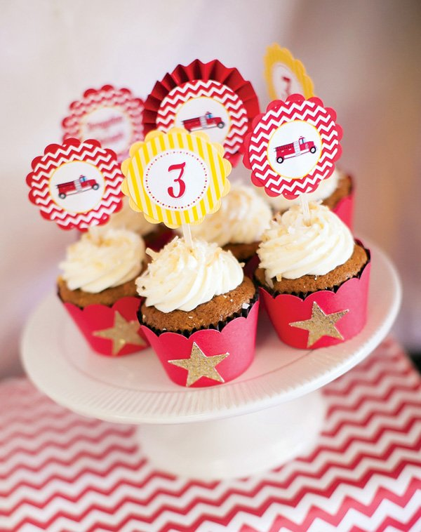 chevron striped cupcake toppers on coconut cupcakes with gold stars