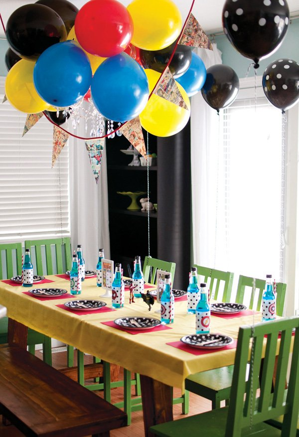 comic book birthday party kids table