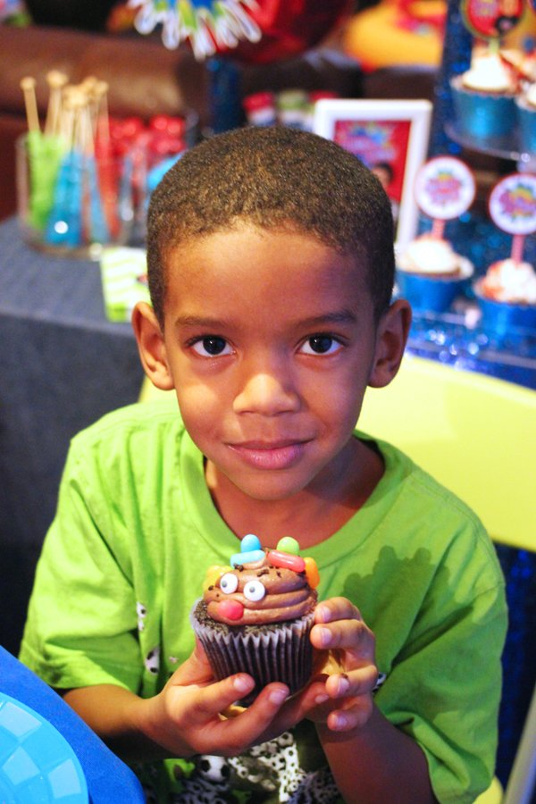 cupcake-candid