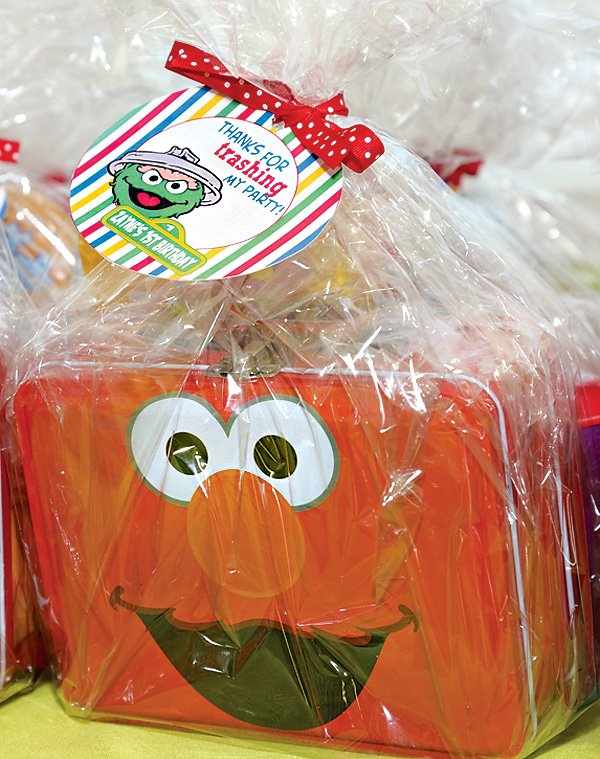 elmo tin box party favors