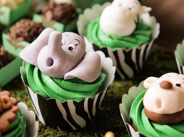 fondant elephant cupcake topper
