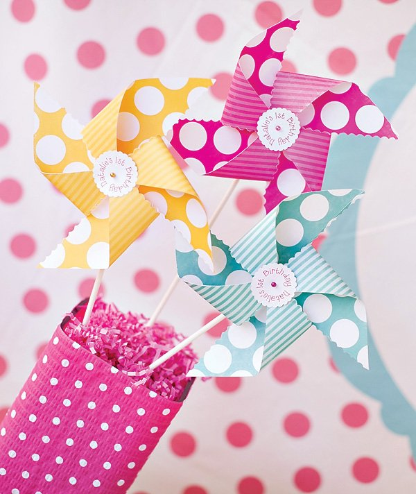 girl's pinwheel and polka dots birthday party decor