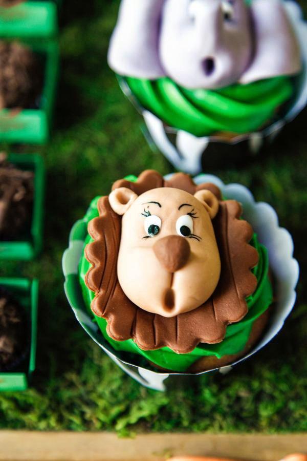 baby fondant lion topped cupcake