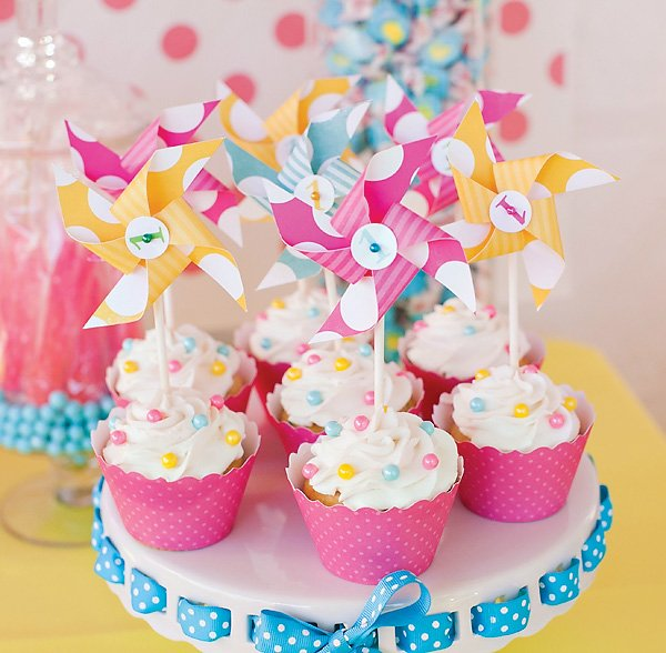 pearl and pinwheel topped cupcakes