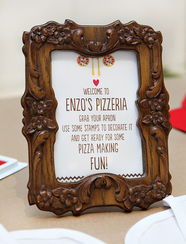 pizza party welcome sign