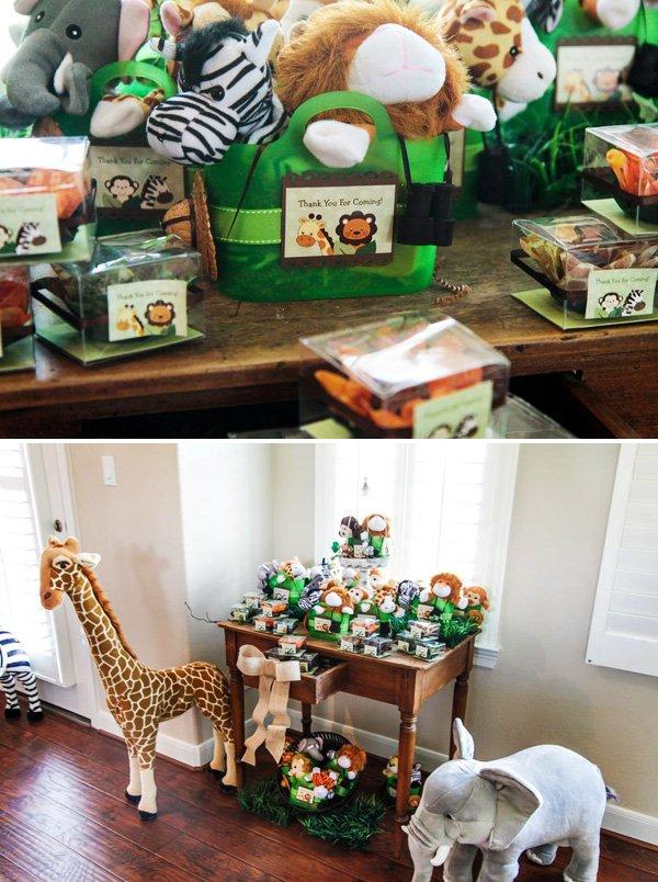 plush safari animal party favors