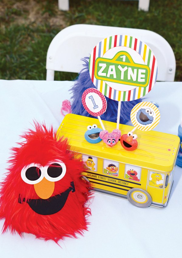 elmo and sesame street birthday party decor