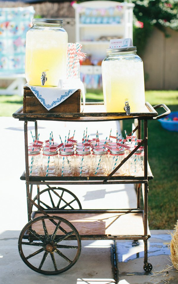 vintage lemonade drinks cart with mason jars