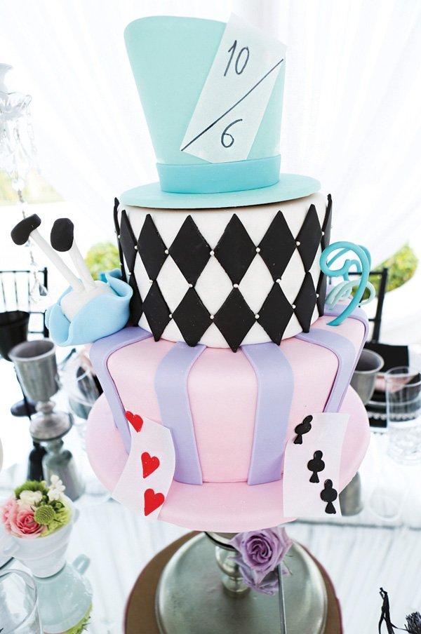 alice in wonderland mad hatter cake