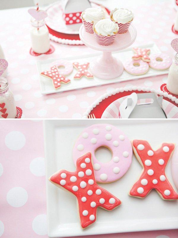 polka dotted XO cookies