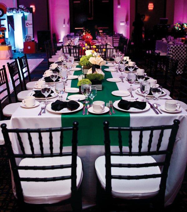formal green tablescape decor