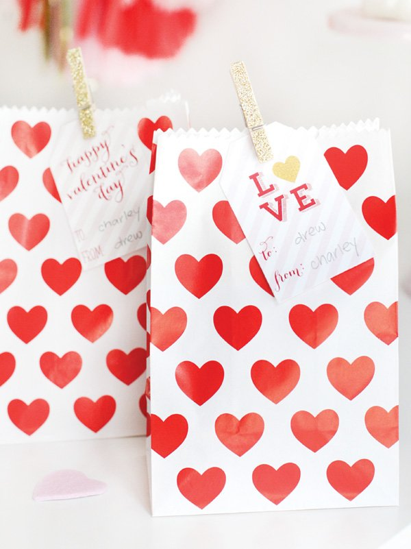 patterned heart bag party favors