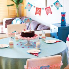 kids valentines day party table decorated by hwtm