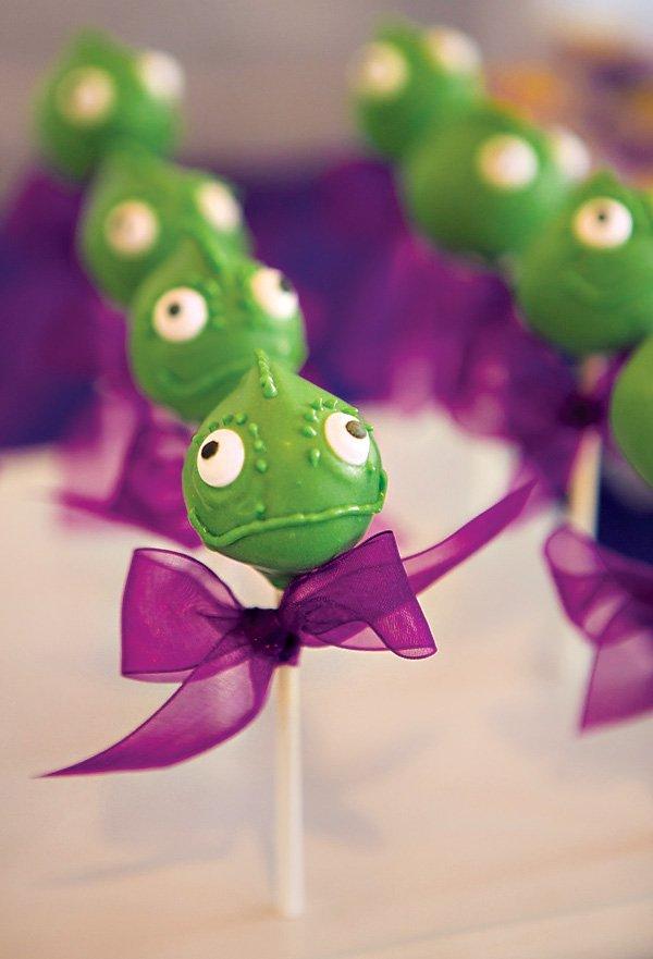 pascal chameleon cake pops
