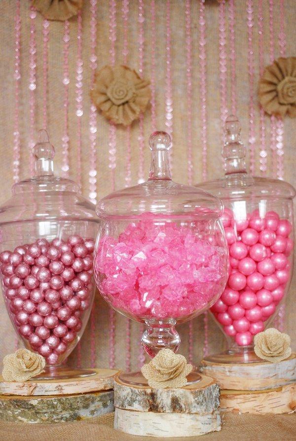 pink-burlap-candy-display