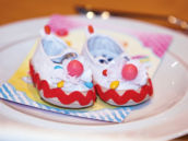 3-candy-decorated-baby-shoes