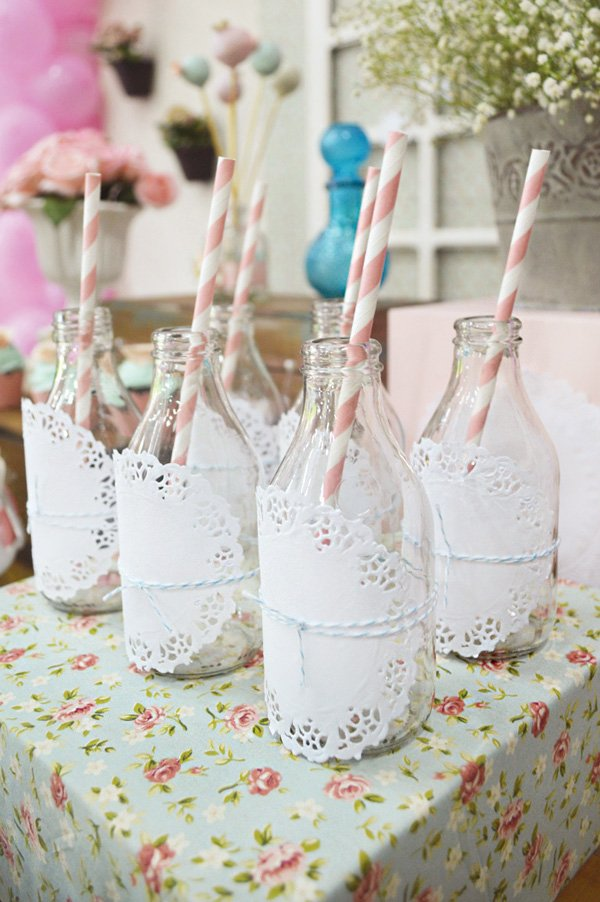 doily wrapped milk bottles with paper straws