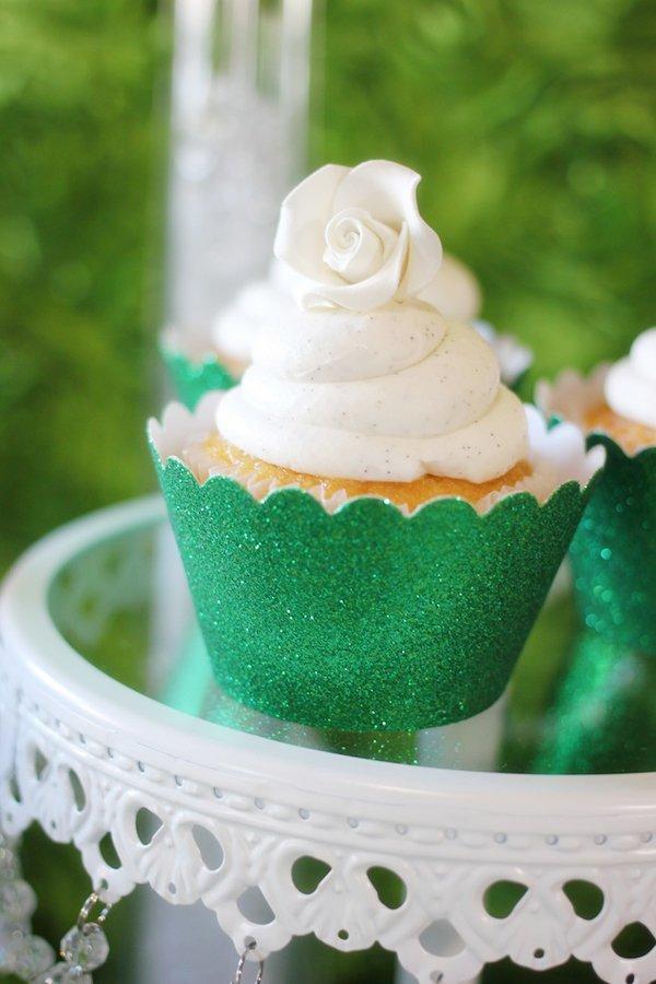 emerald-green-cupcakes