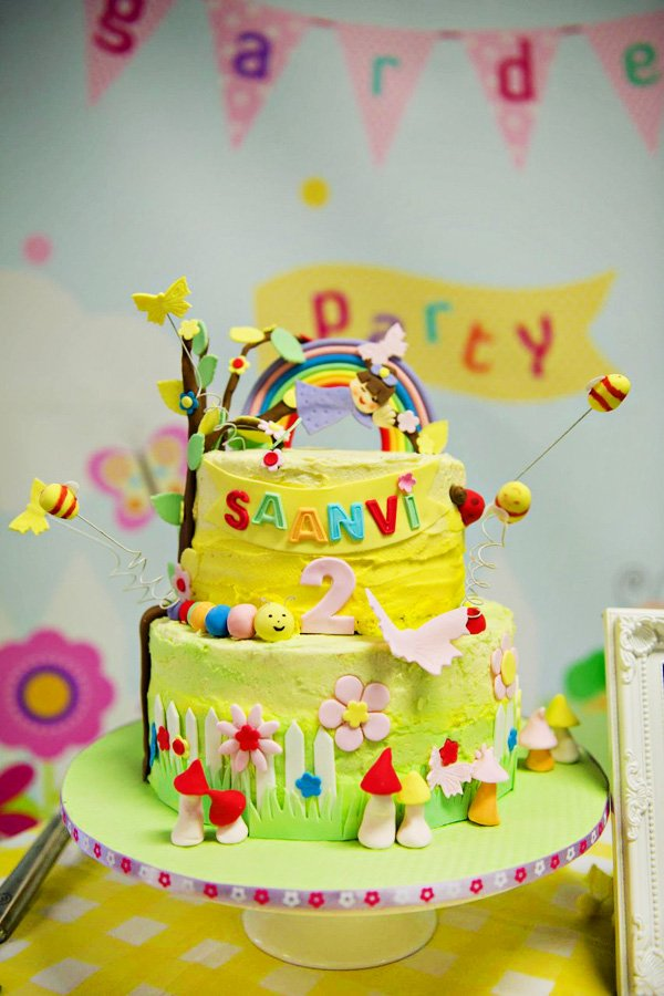 garden party bug and flower cake