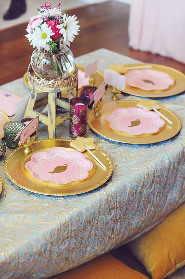 moroccan teal and gold tablescape