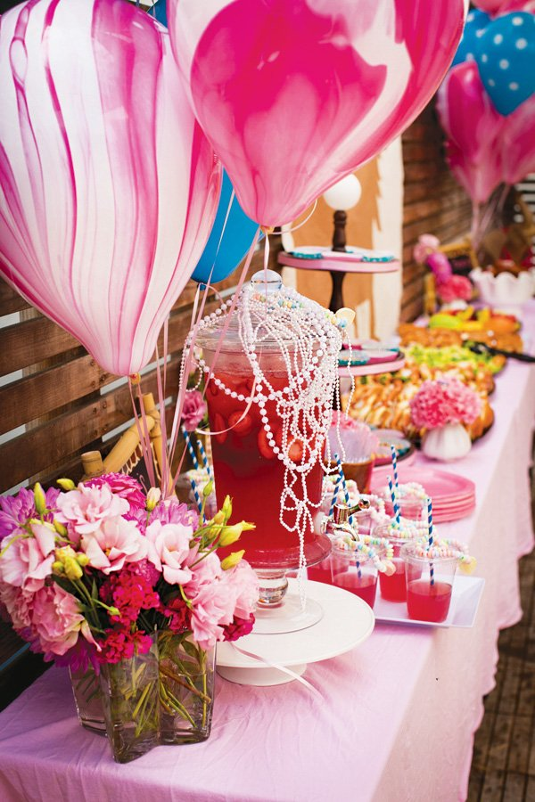 pearl and pink drinks table