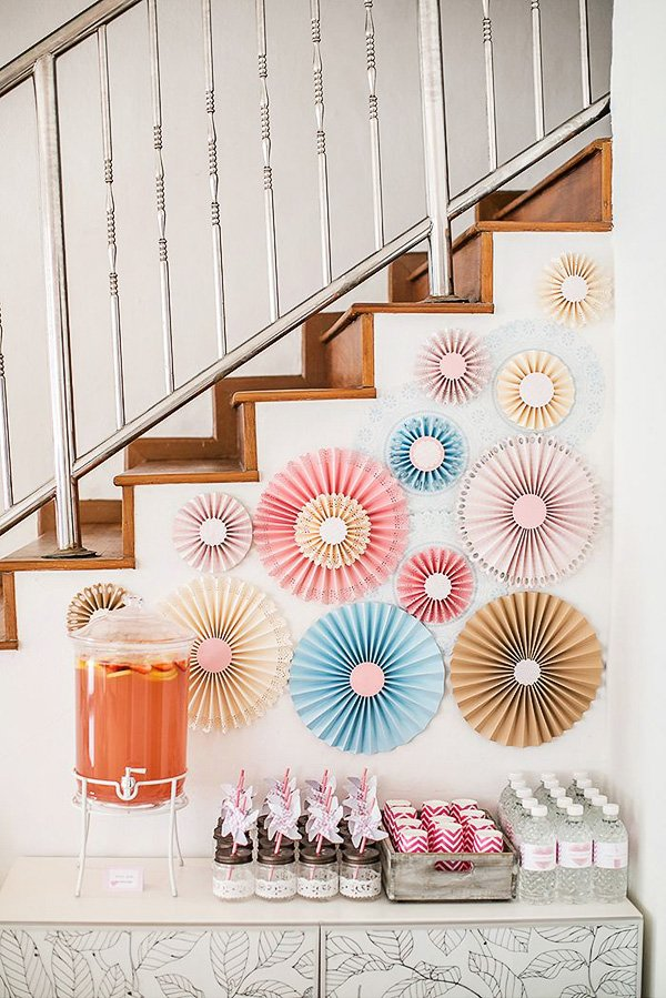 pink pinwheel decorated drinks table