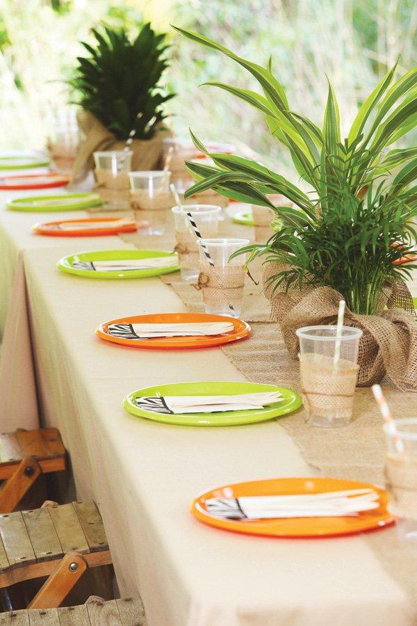 safari tablescape party decor