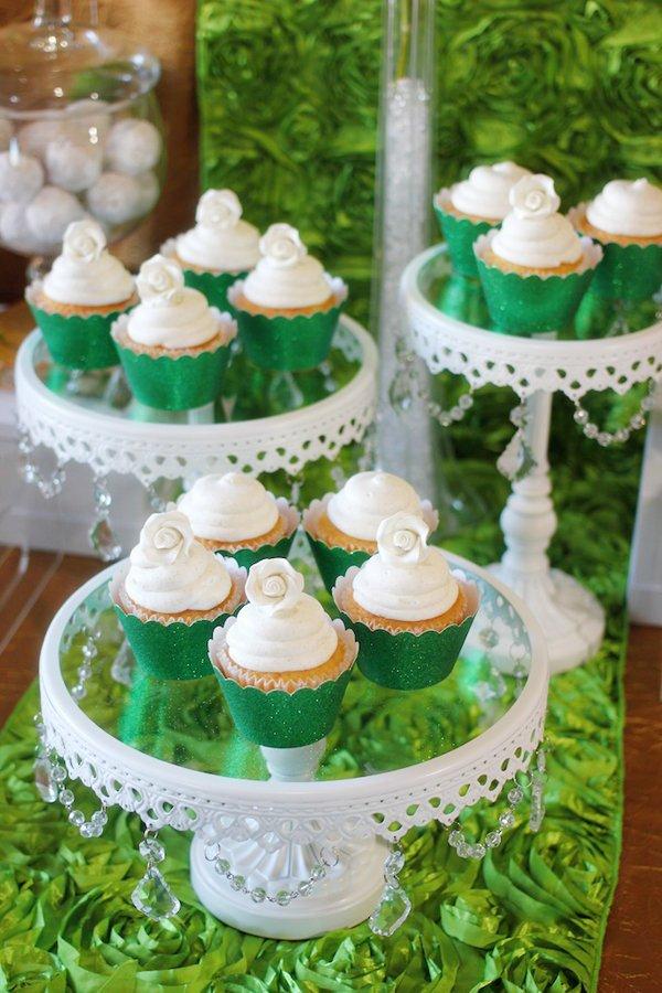 vintage-cupcake-stands