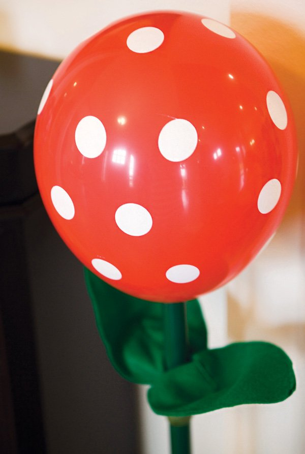 DIY piranha plant balloon