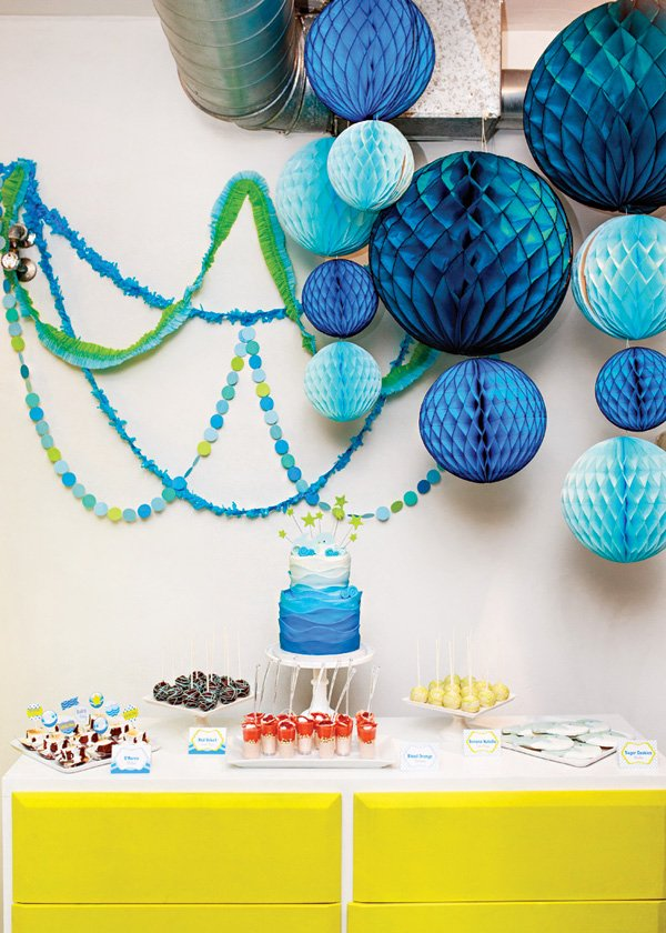 blue honeycomb lantern dessert table decor
