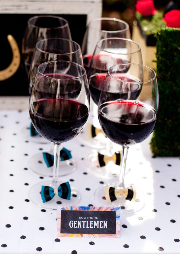 wine glasses with DIY farfalle bow-ties